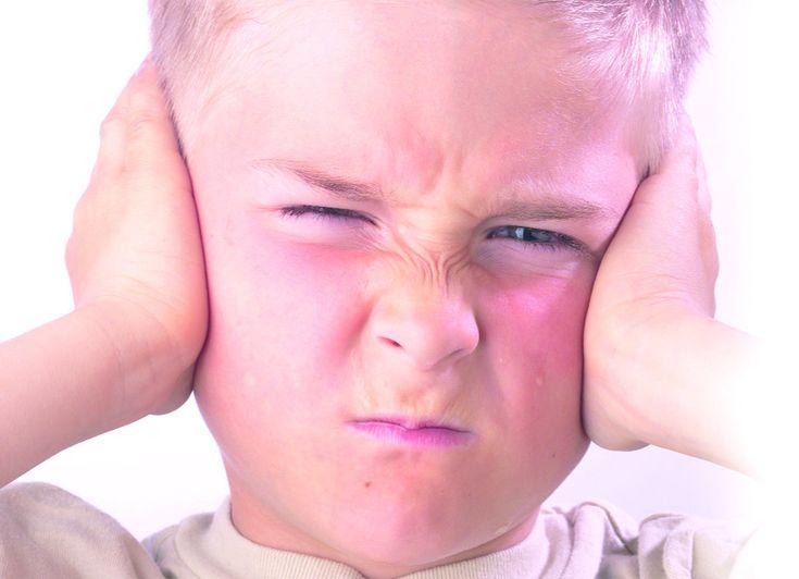 Los niños están hoy sometidos a niveles intolerables de ruido                                                                              ...