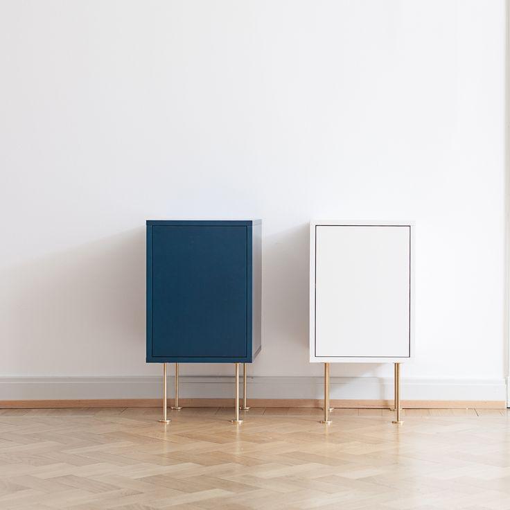 Vogue nattbord fra Decotique. Et moderne og flott nattbord i skandinavisk design. Nattbordet er stil...