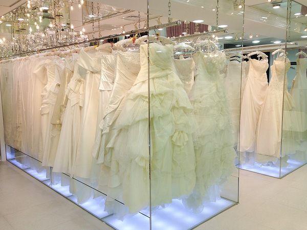 【バンタンデザイン研究所】ウェディング学科がドレスショップ「innocently TOKYO」で修了展用ドレスをピックアップ!