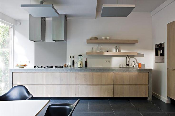 Wat een keuken! Werkblad van beton. http://nieuwekeukenplanner.nl/keuken-inspiratie-en-tips/een-keukenblad-kiezen/
