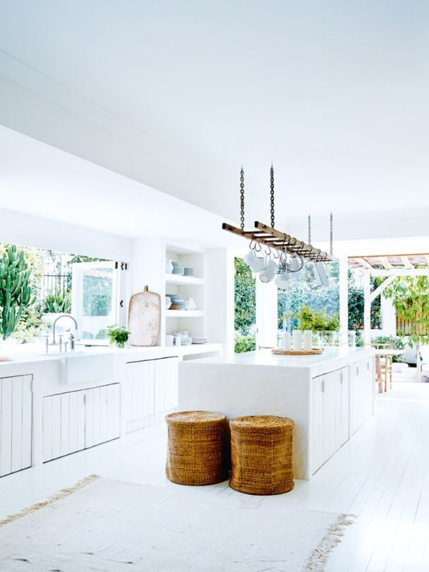 H O M E // relaxed kitchen, open plan flow to outdoor entertaining