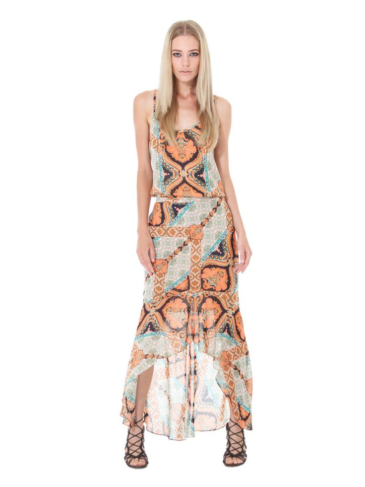 The ultimate piece of the season, this beautiful Little Joe Woman by Gail Elliott Dreamer bias cut maxi skirt, should be in everyone's wardrobe. Flattering in all the right places, this skirt has a back invisible zippered closure and fluted front frill. Featuring an exclusive seventies folk print, it's the perfect boho-luxe piece for this season.