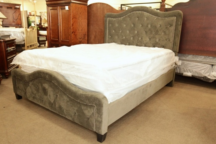 Hillsdale Grey Tufted Queen Headboard/Footboard with