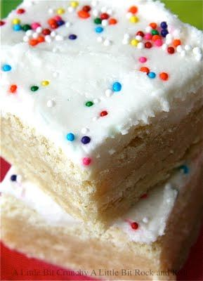 mmmmmm  sugar cookie bar: Desserts, Sour Cream, Sugar Cookies Bar, Sprinkles, Sweet Tooth, Cookies Recipes, Sugar Cookie Bars, Cookies Cakes, Rocks And Rolls