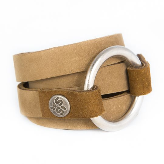 Ringwrap Sand made out of beautiful leather by Caroline for www.issamadeby.nl €44,50