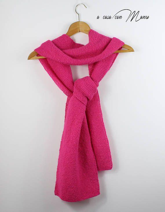 Sciarpa lunga fatta a maglia di lana color rosa sciarpa di