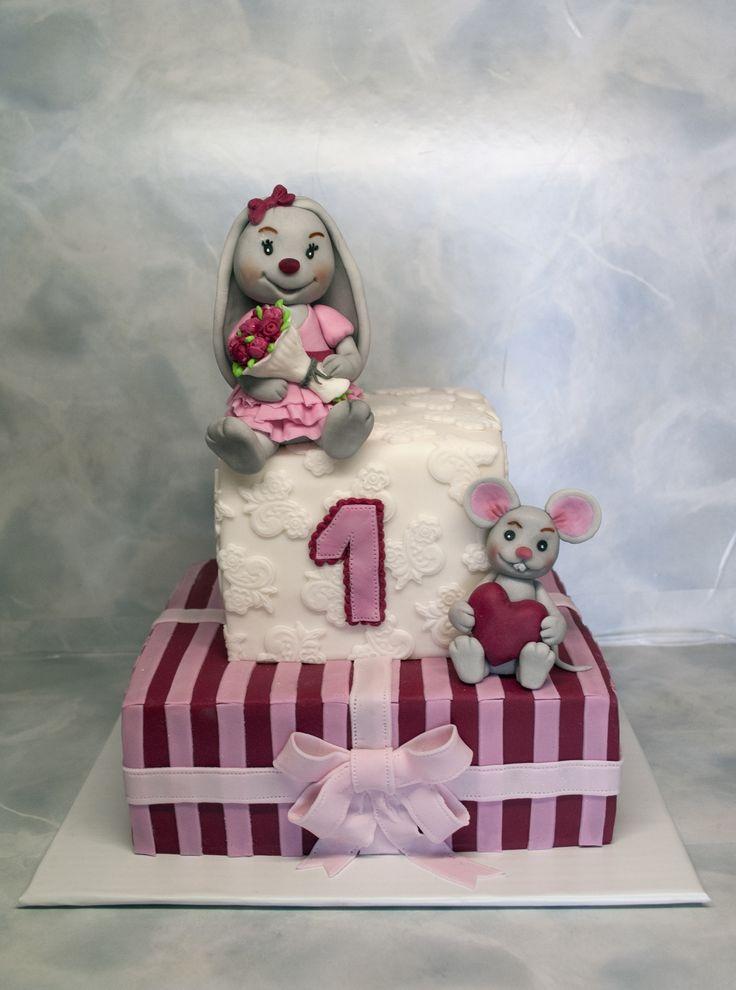 Dort k prvním narozeninám s malou králičí holčičkou a myškou. Cake with Little Bunny Girl and Mouse.