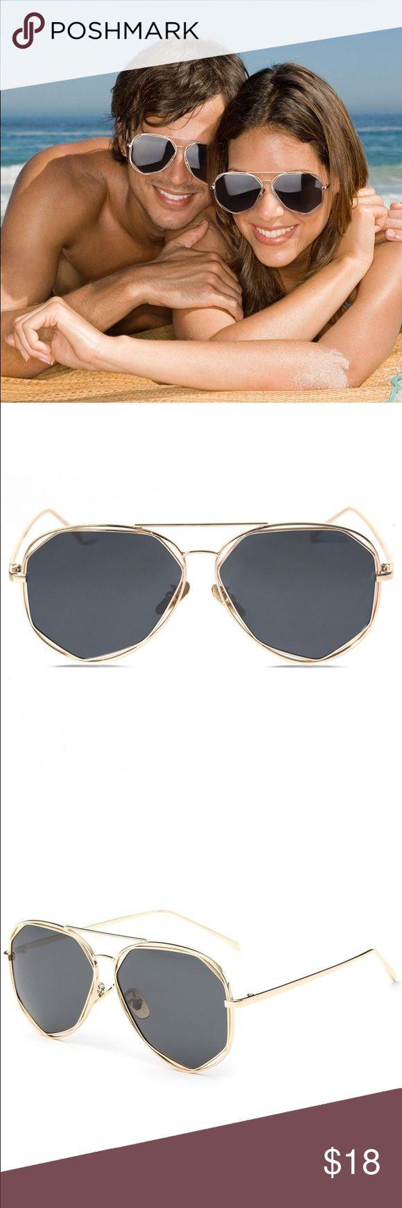 Fashion Gold Frame Polarized Sunglasses Fashion Gold Frame Polarized Sunglasses with Mirrored Lens. Brand new. 58 mm Accessories Sunglasses