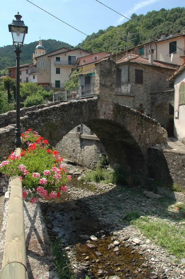 Pignone, La Spezia, Liguria - © Dario Grimoldi