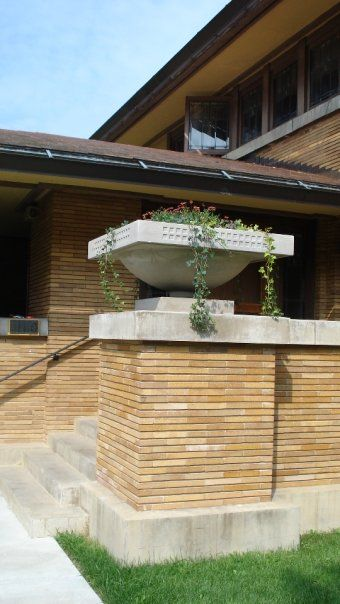 The famous prairie style flower planter. | Frank Lloyd ...