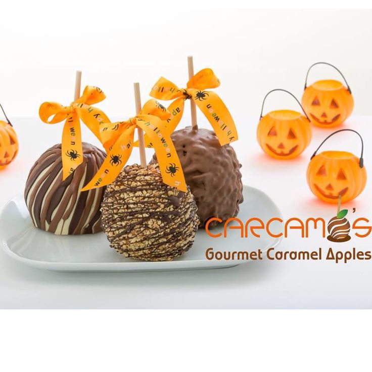 Kick off Halloween with a treat from Carcamo's Gourmet Caramel Apples. #chocolate #delicious