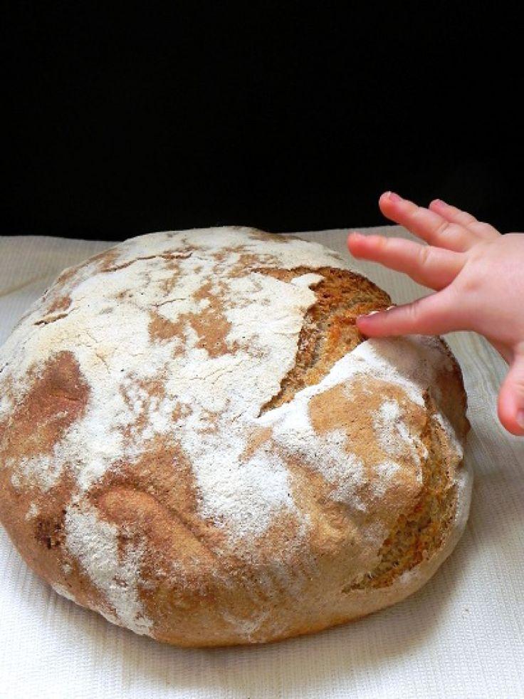 Chleb orkiszowo-żytni na zakwasie