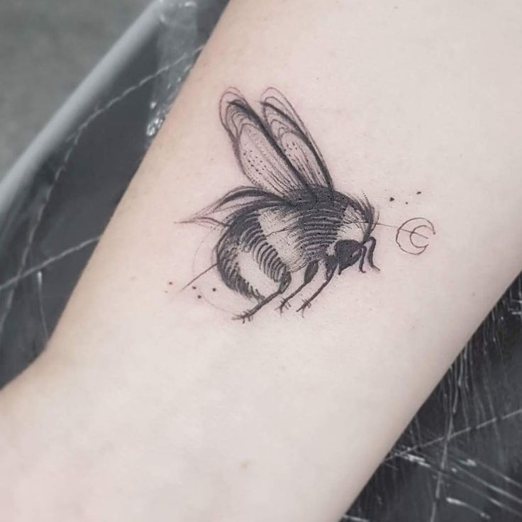 45 best manchester bee tattoos images on pinterest bee tattoo bees and manchester. Black Bedroom Furniture Sets. Home Design Ideas