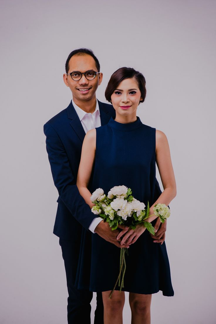 Blue navy color is always our favourite. #wedding #photography #prewedding #studiophoto #formaloutfit