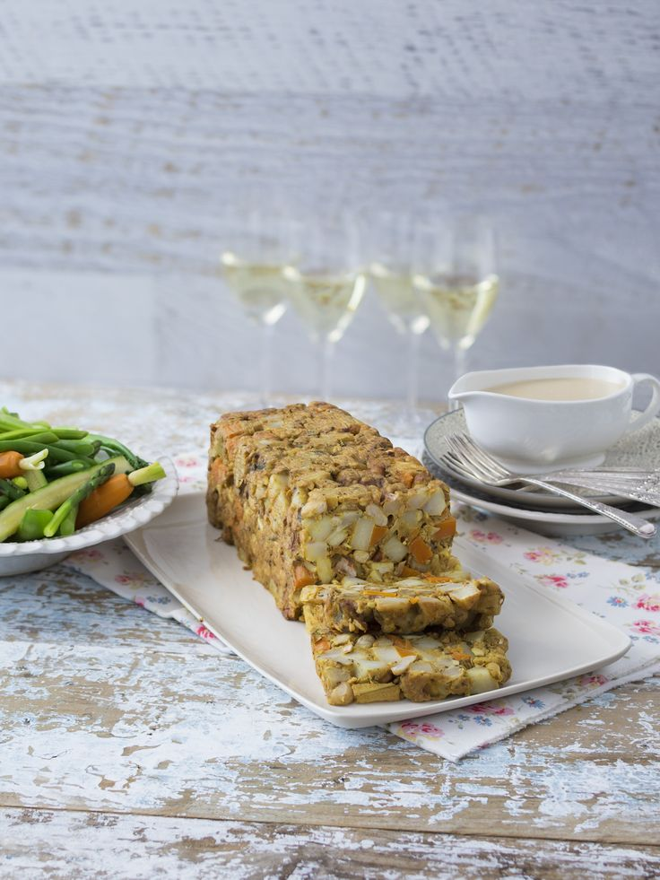 Harvest nut roast with gravy | Thermomix | Vegetarian Kitchen cookbook and recipe chip | p. 126 |