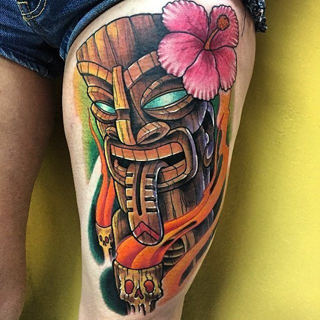 Tiki Head by @cleenrockone at @goldenskulltattoo in Las Vegas Nevada. #flower #tiki #tikihead #cleenrockone #goldenskulltattoo #lasvegas #vegas #nevada #tattoo #tattoos #tattoosnob