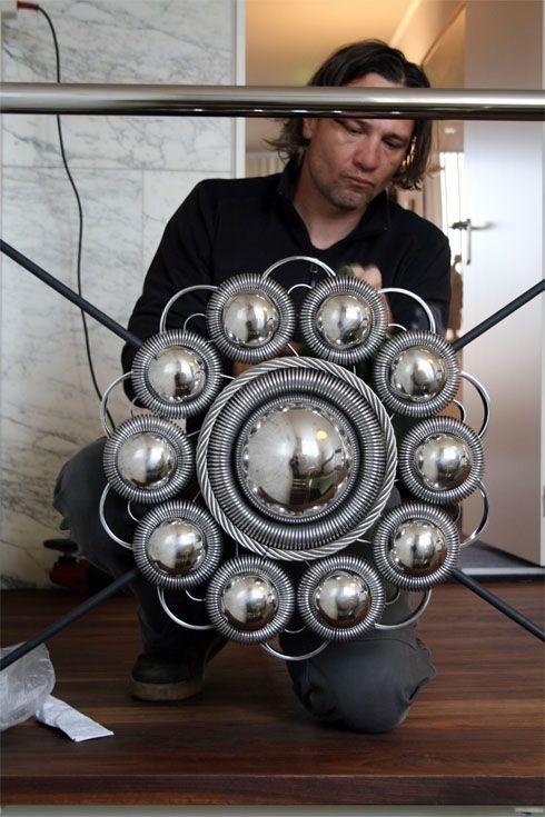 Wilco kreeg de opdracht om in het ontwerp de Zeeuwse Knoop te gebruiken, één van de bekendste symbolen van Zeeland. De knoop werd vroeger gebruikt in de Zeeuwse klederdracht bij de mannen, ter versiering van de broekriem.
