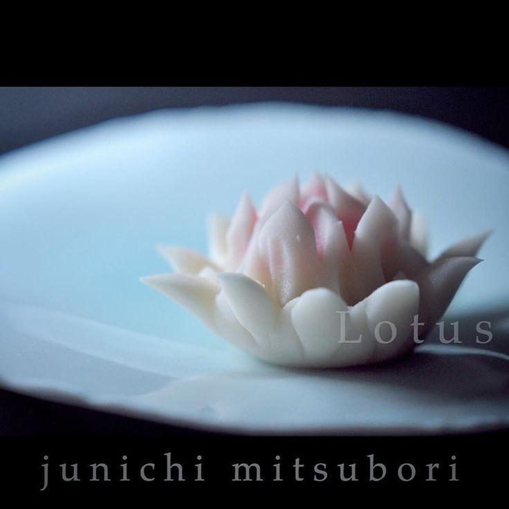 """一日一菓 「 #蓮花 」 #煉切 製 #wagashi of the day """" #Lotus flower """" 本日は「蓮花」です。 1日過ぎてしまいましたが、昨日は花祭り(御釈迦様の誕生日)でした。 針切りで表現してみました。 Today is the """"lotus"""". I have only one day, but it was Flower Festival yesterday (your Buddha-like birthday). I tried to express in the needle cut. #和菓子 #釈迦 #花祭り #一日一菓 #sweets #MITSUBORI #art #針切り"""