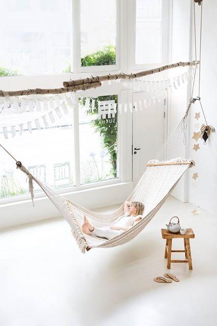 die besten 17 ideen zu indoor h ngematte auf pinterest. Black Bedroom Furniture Sets. Home Design Ideas