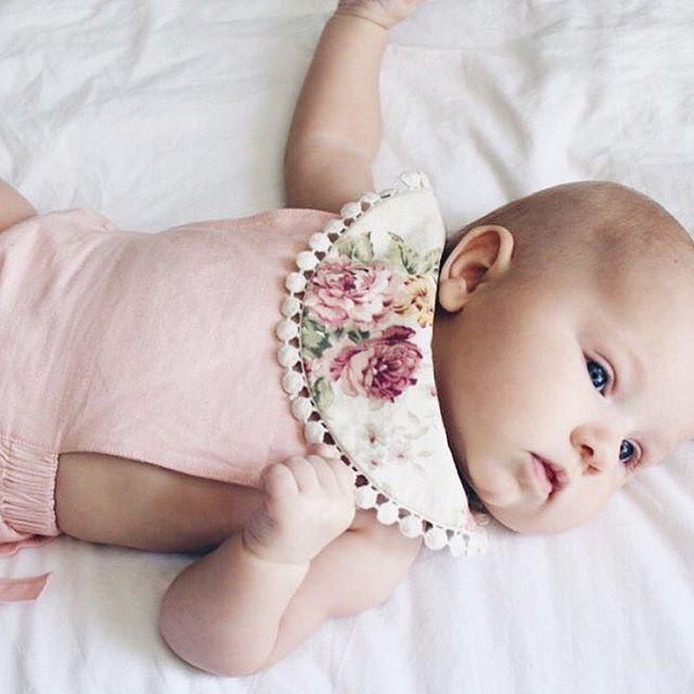 FLORAL BABY DROOL BIB WWW.BILLYBIBS.COM