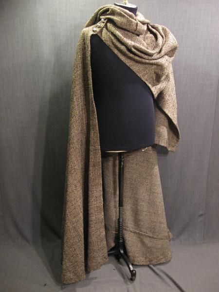 09036973 Cape Medieval with cowl and hood tan grey black weave (This, but black/gray. And shredded/tassled.)