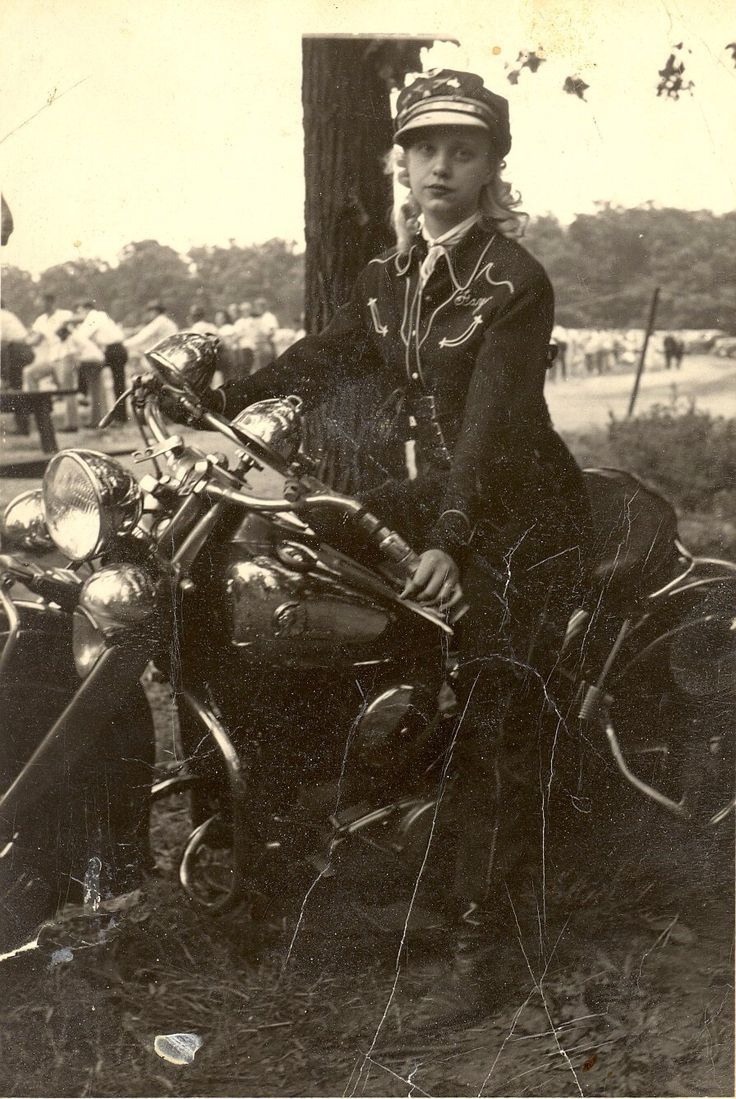 womenwhoride: cir 1940s of a lovely lady in a great riding costume and a grand Indian motorcycle.