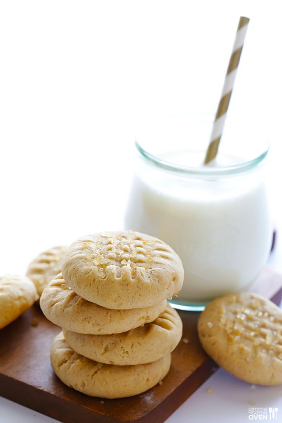 Peanut Butter Banana Cookies | gimmesomeoven.com #dessert