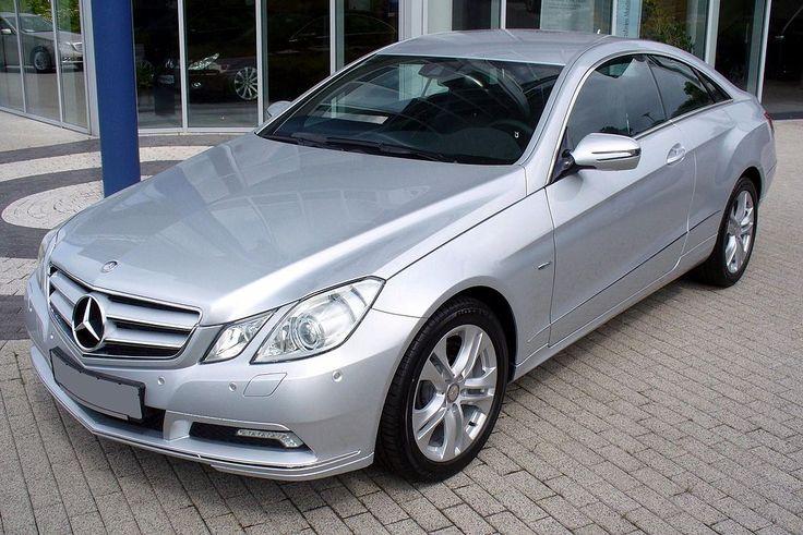 Mercedes-Benz C207 E 350 CDI Iridiumsilber.JPG