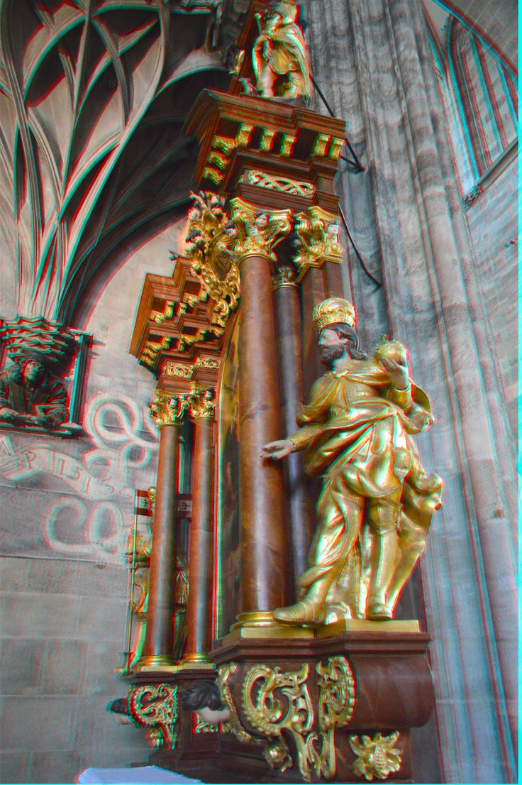 Inside St. Stephen's Cathedral in Vienna. 3D photo from 3DPhotoExplorer.com