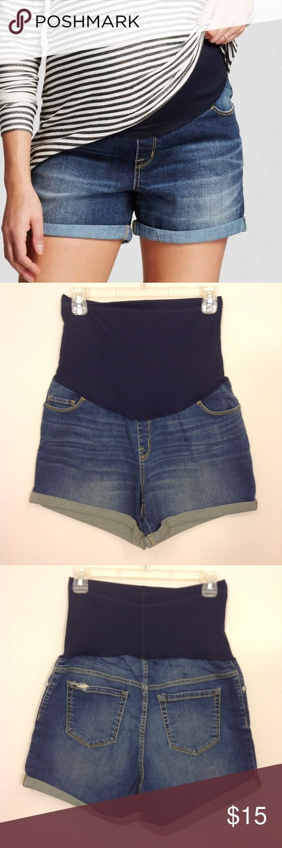 "NWOT Maternity Jean Shorts Over Belly Midi Sz S New without tags. This was a Target manufacturer sample.       Midi jean shorts with over-the-belly stretch waist band  Tag Size:  S  Fabric:  95% cotton, 2% spandex, 3% other Inseam:   4""         Pregnant, pregnancy, expecting, Liz Lange, denim  . Liz Lange for Target Shorts Jean Shorts"