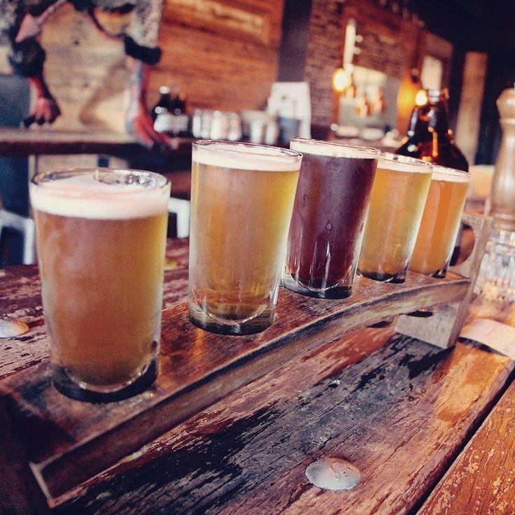 Sydney é um paraíso em muitos aspectos inclusive no assunto bares botecos e drinks. Lá no Sunday tem uma lista de lugares ótimos na cidade.   . . . #australia #sydney #seeaustralia #RestaurantAustralia #australiagram #ilovesydney #australia_shotz #ig_australia #exploreaustralia #discoveraustralia #beer #beerlover #beerlovers #bar #drinking #travel #travelblogger #travelgram #travelphotography #instatravel #wanderlust #travelblog #traveltheworld #travelpics #travelphoto#viagem #turismo…