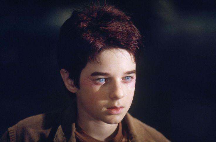 Still of Scott Terra in Daredevil (2003) http://www.movpins.com/dHQwMjg3OTc4/daredevil-(2003)/still-1101838336