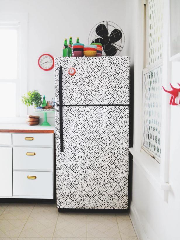 1. Verf Ja, je kunt je koelkast verven! Ga voor een leuk pastelkleurtje of chalkboard verf,…