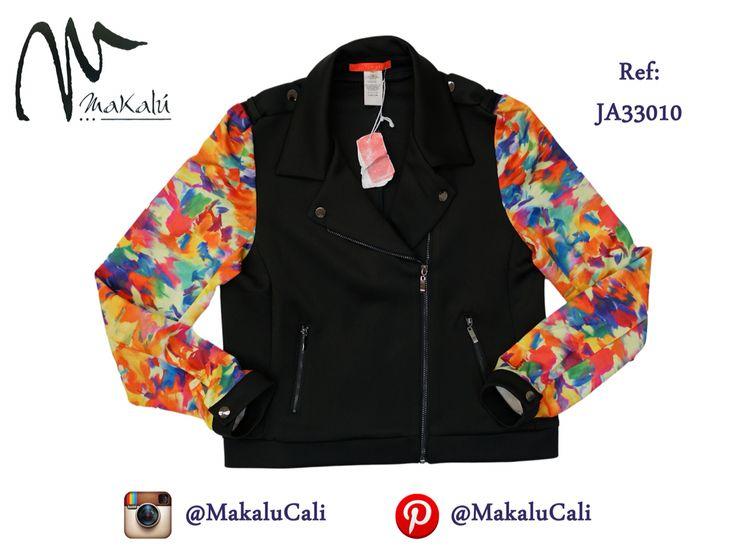 Blazer con mangas de estampados florales, lo encuentras en nuestras tiendas Makalu en Cali... #modafemenina #makalu #makalucali #tendencias #ropaamericana #fashionweek #outfit #neon #moda #cali #colombia