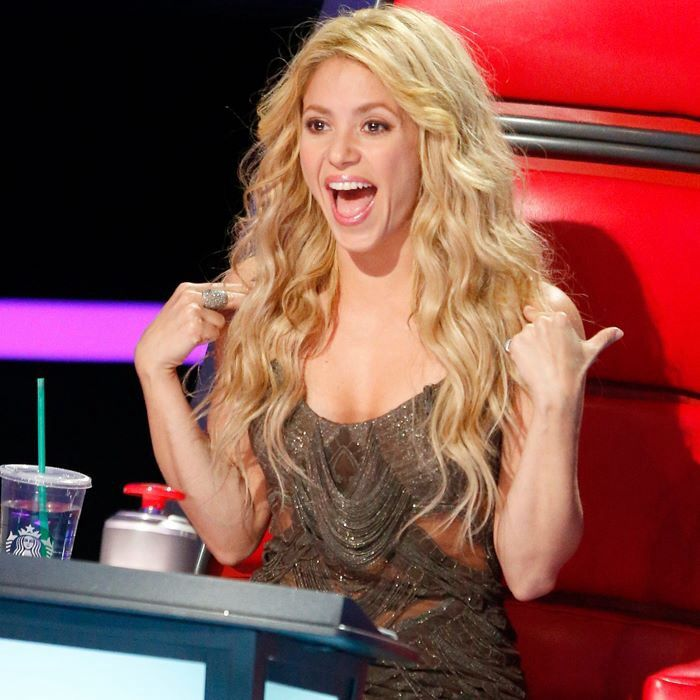 Shakira's hair is so pretty and natural looking