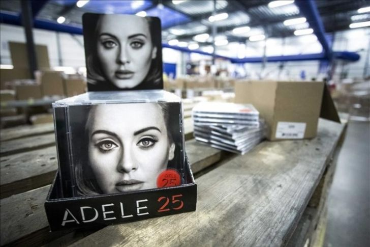 ¨25¨ De Adele y ¨Uptown Funk¨ de Ronson, lo más descargado de iTunes en 2015