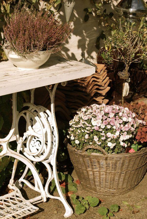 Macchina da cucina riciclata come tavolo da giardino