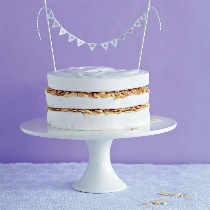 Honey & almond marshmallow cake from The Artisan Marshmallow | Cooked