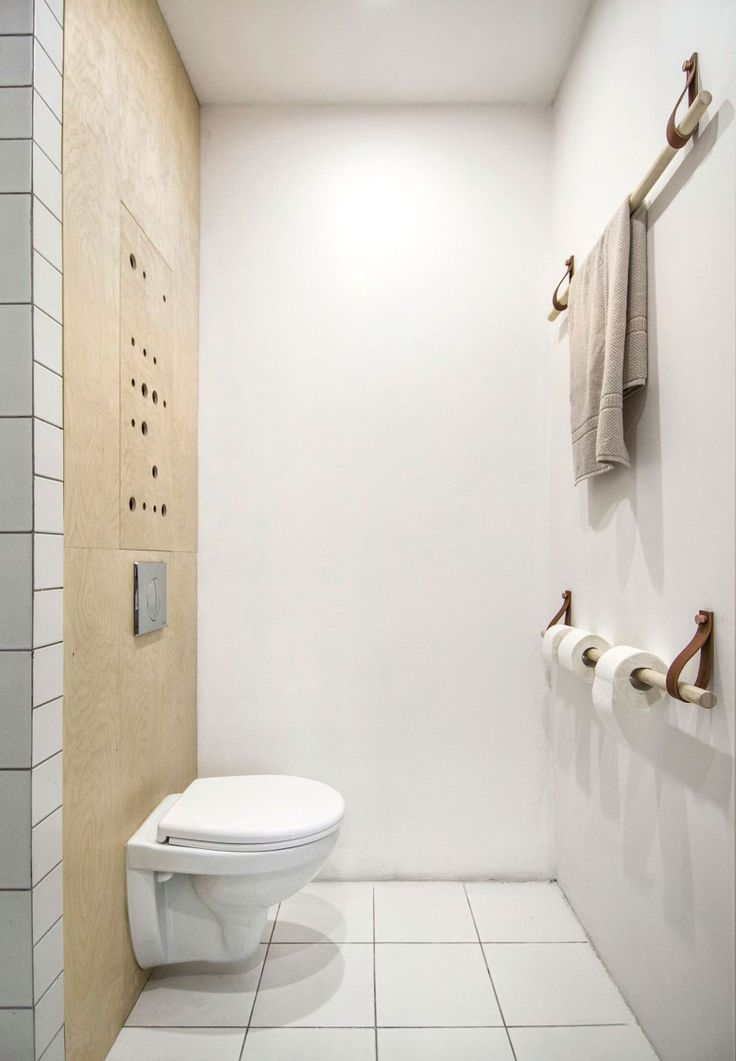 25 beste idee n over toilet ontwerp op pinterest logeerbadkamer decoreren hotellobby ontwerp - Wc deco ontwerp idee ...