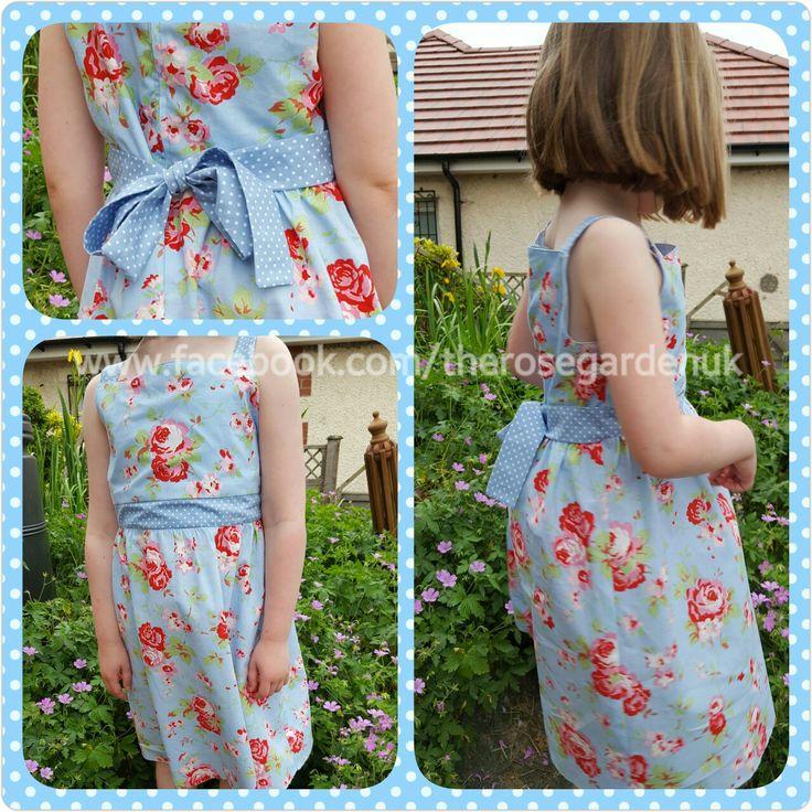 Summer dress in Ikea Cath Kidston Rosali Kwik Sew K4038 Pattern