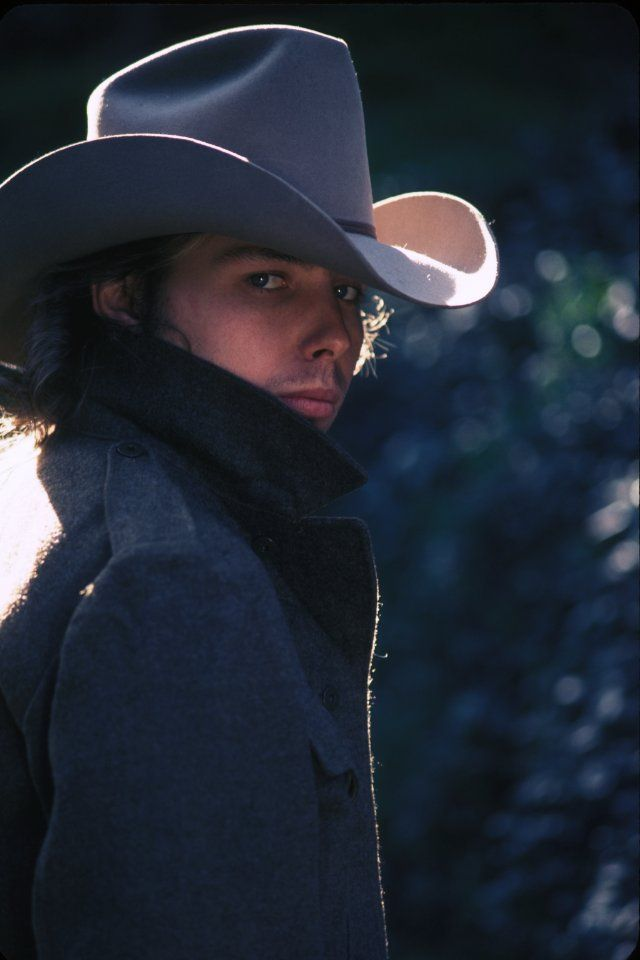 Dwight Yoakam...so sexxxxxy!