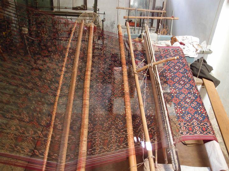 Double ikat weaving