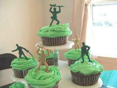 Army Men Cupcakes to go with the Toy Story cake