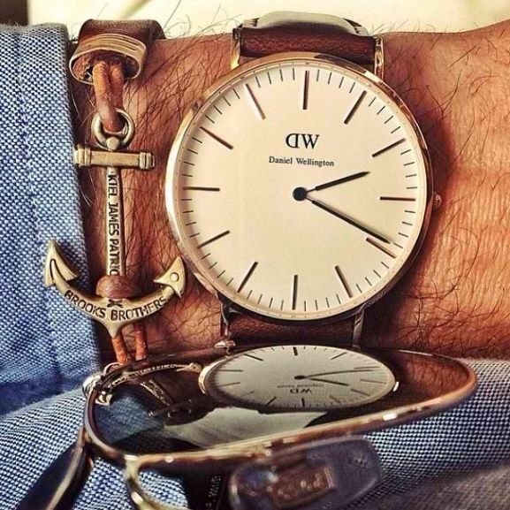 (Daniel Wellington Watch) Accessories; I have the watch I just need the bracelet and glasses