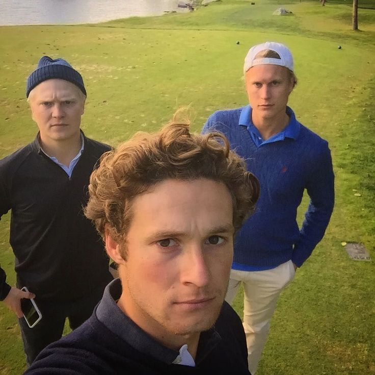 """Från ogenomtränglig vänskap till totalt världskrig från första tee @gglans avbröt tävlingen efter förlust av första nio. Jag och @emillotbom är längre inte sysslingar.  #lovegolf #ullnagk #golf  #""""friends"""" #peace #greenpeace by askerwall"""