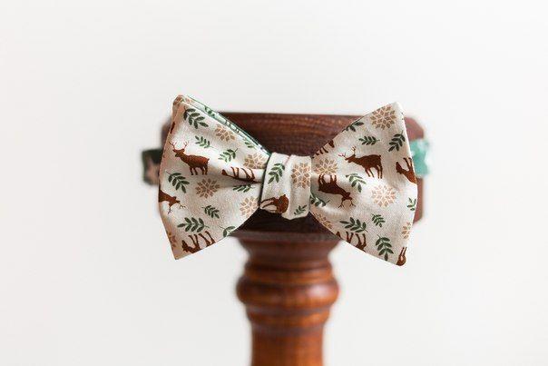 • Галстук-бабочка двусторонняя. Возможно завязывание на обе стороны. • Ручная работа. Состав тканей – хлопок, фланель. • Ткани производства США, Япония, Англия, Италия. • Самовяз. Имеется регулятор и застежка  #makaronka #makaronka_shop #bowties #baboon #gifts #souvenirs #accessories