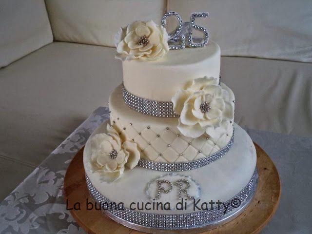 Bien connu Oltre 25 fantastiche idee su Torte di nozze argento su Pinterest  UC94