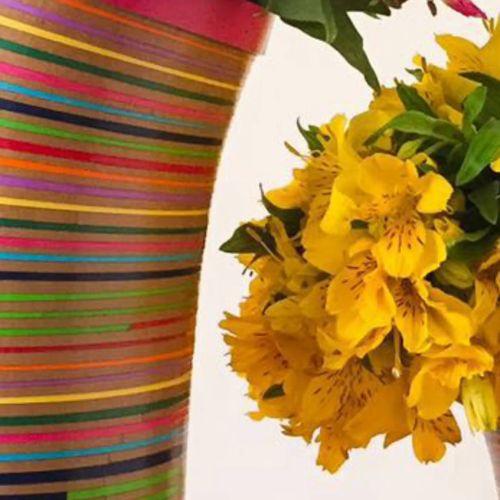 Adquiere en oxm.mx/ tu Florero Serpentina, hecho a mano con papel reciclado #artesaniamexicana #orgulloxméxico #unidoshacemosolas #productomexicano #artesanal #HechoEnMéxico #diseñomexicano #hogar #decoración #florero #decoracion  #colorido #méxico #Mexico https://video.buffer.com/v/5aa3fe509d3cc3fc3796b18c