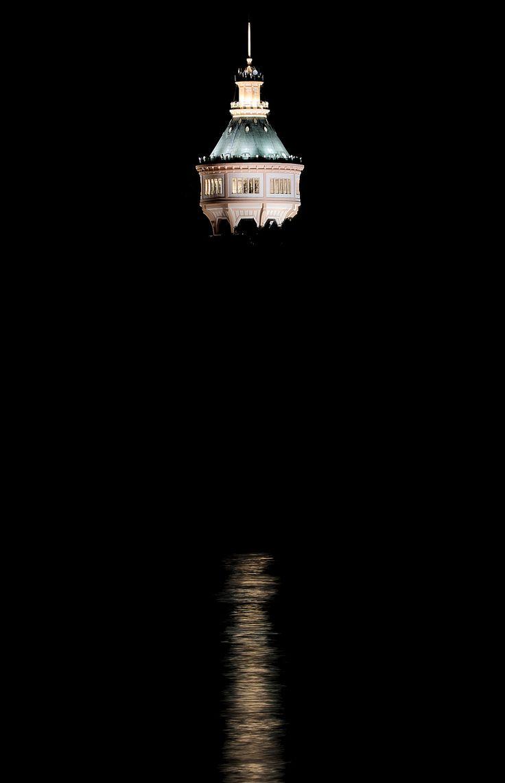 Víztorony - A képen a Margitszigeti víztorony látható a pesti rakpartról fotózva.