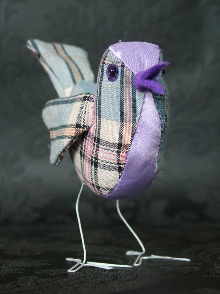 Bird tutorial (PDF) How to make a bird (fabric) epattern. $8.50, via Etsy.